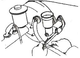 10. Memasang master silinder